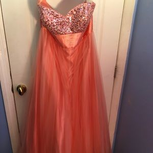 Pink strapless tulle prom ballgown
